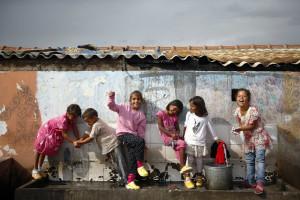Turma composta só por alunos ciganos indigna pais