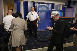 Intruso na Casa Branca obriga à evacuação de parte da residência