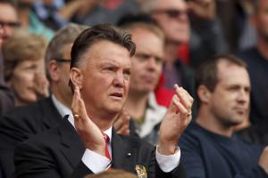 Van Gaal em dúvida quanto a Rooney como avançado