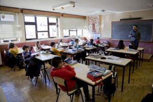 Há mais de 100 mil alunos com furos nos horários
