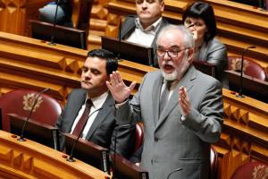 PS fala em reencontro histórico PSD/PCP