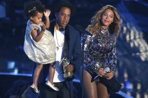 Beyoncé e Blue Ivy vistas a partilhar momentos de diversão