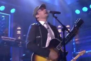 Jimmy Fallon ficou sem convidado Bono e optou por imitá-lo