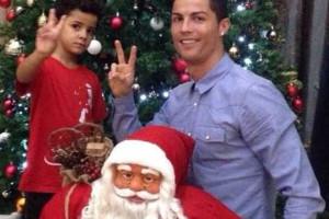 Cristiano Ronaldo e filho em modo Natal