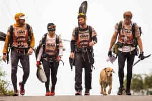 'Rafeiro' acompanha equipa de trekking por 690 km e ganha casa