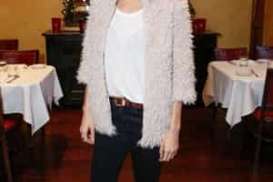 Nicole Richie usa roupa da filha de seis anos