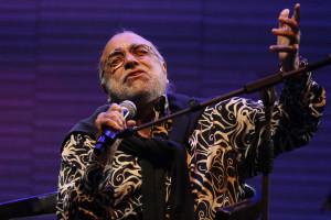 Morreu o cantor Demis Roussos