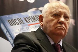 Gorbachov alerta para risco de nova Guerra Fria