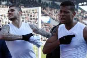 Icardi e Guarín 'atiram-se' aos adeptos do Inter após derrota