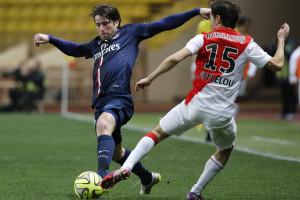 PSG empata no Mónaco e falha liderança em França