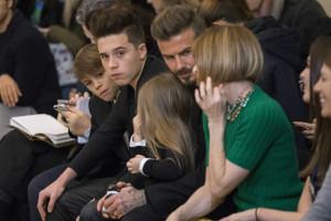 Brooklyn Beckham assume papel de 'homem da casa'