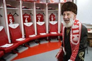 Adepto de 102 anos é roubado e recebe sete mil euros do Spartak