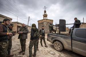 ISIS executou mais de 460 pessoas na Síria durante o último mês