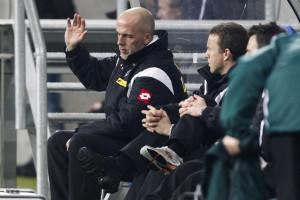Hannover aposta em Michael Frontzeck para últimos jogos