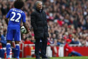Chelsea empata frente ao Arsenal e fica mais perto do título