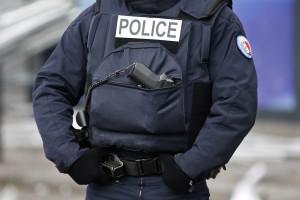 Polícia francesa procura atirador em bairro de Nice