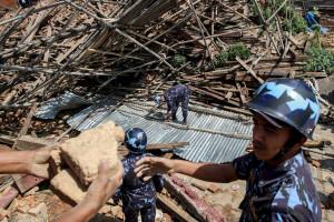 Número de mortos no Nepal ultrapassou os 4.000
