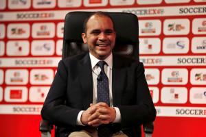 Príncipe jordano desiste, Blatter prossegue reinado na FIFA