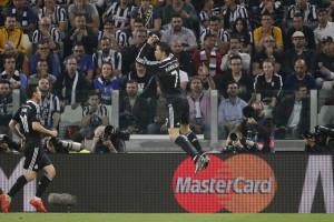 Ronaldo é o jogador com mais golos marcados nas 'meias'