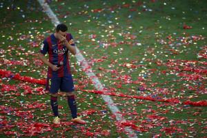 Xavi vai às lágrimas na despedida do Camp Nou