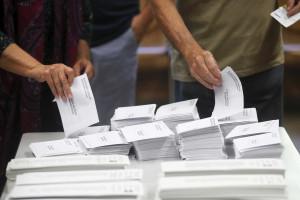 Taxa de participação nas eleições ascendia a 34,78% às 14:30 locais