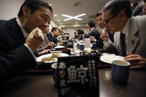 Japão proibiu carne crua de porco nos seus restaurantes
