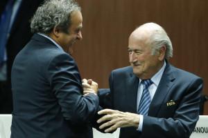 Platini diz que é crucial uma mudança na FIFA