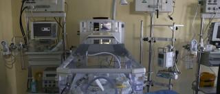 """Mãe e recém-nascido que voltaram ao Hospital estão """"aparentemente bem"""""""