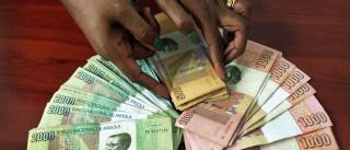 Bancos angolanos compraram mais 61% de divisas em junho