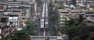 Sobe para 27 número de mortos em descarrilamento de comboios
