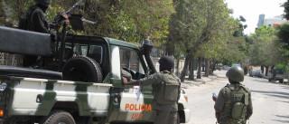 Guarda de líder da oposição moçambicana entrega armas e polícia desmobiliza (C/ÁUDIO E FOTOS)