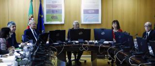 Programa do PS repõe feriados, elimina cortes e sobe salário mínimo