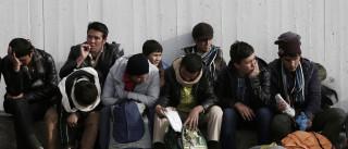 Migrações: França considera política liberal de Merkel insustentável