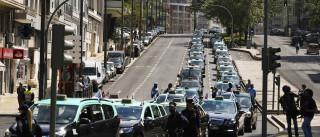 """Governo e taxistas reúnem-se dia 6 para """"criação de grupo de trabalho"""""""