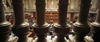 Parlamento está a pagar milhões a mais