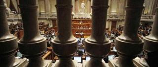 Constitucional decide após pedidos de Cavaco, Provedor e deputados