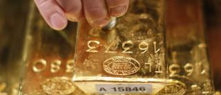 Ouro foge à regra em dia positivo para os metais