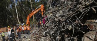 Pelo menos 12 mortos em colapso de edifício na Índia