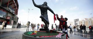 Federação moçambicana pede estátua de Eusébio ou rua em Maputo