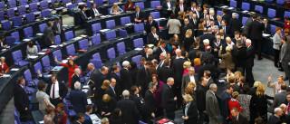 Eurodeputados lusos querem Europa a assumir responsabilidades em Calais