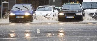 Chuvas provocam inundações em Faro