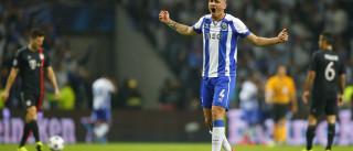 Maicon abandona FC Porto e regressa ao Brasil