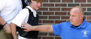 Assassino de igreja em Charleston quer declarar-se culpado