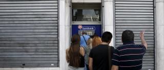 Grego morreu na fila enquanto esperava para levantar dinheiro