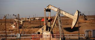 Preço do barril Brent desce 2,06% para 52,21 dólares