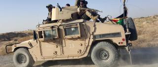 Quatro soldados mortos e 14 feridos em ataque talibã a autocarro