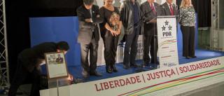"""Foi vitória de extremos. """"Talvez portugueses não tenham memória longa"""""""