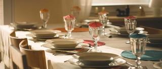 Portugueses jantavam em família. Agora jantam a olhar para o ecrã
