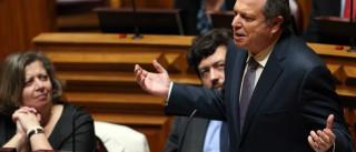 """25 de Novembro: """"PSD e PP quiseram neste dia dividir o que já se uniu"""""""