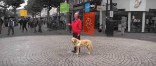 Nova tecnologia facilita mobilidade na cidade a invisuais
